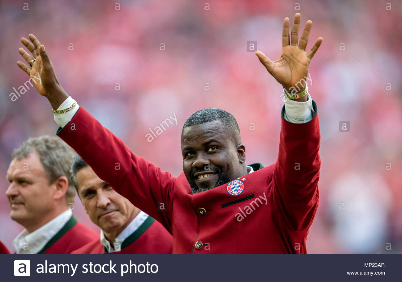 VIDEO: Watch Sammy Kuffour sings famous Bayern song after League win –  Ghana Sports Online