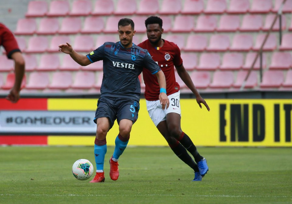 Benjamin Tetteh, behind, lasted 80 minutes for Sparta Prague