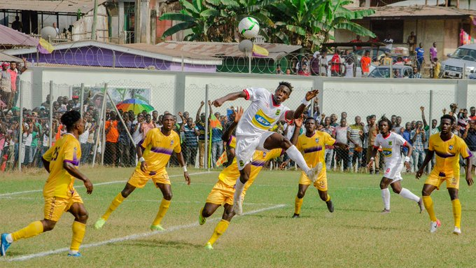 Kotoko midfielder Justice Blay flights to get a header against his former team-mates at the Akoon Park.